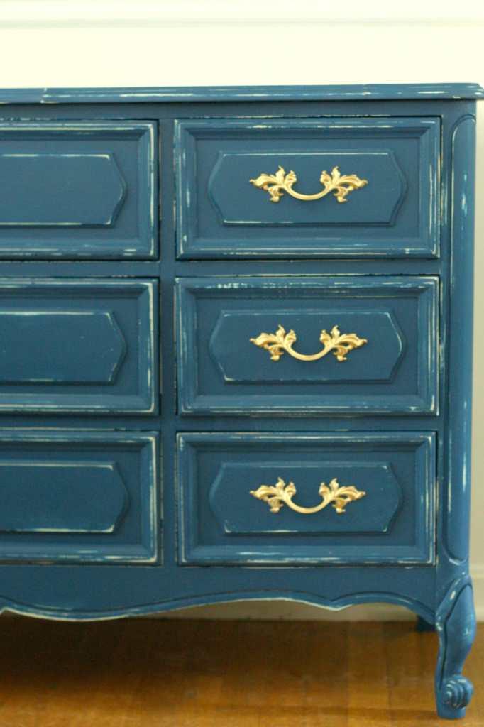DIY painting laminate furniture