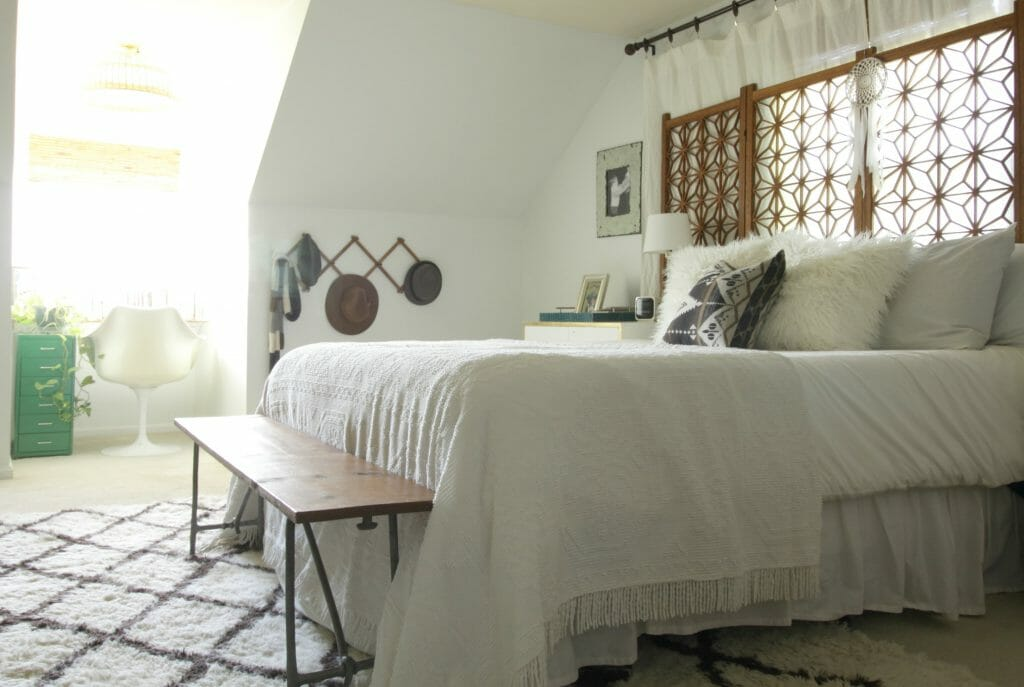 modern-bohemian-neutral-eclectic-bedroom