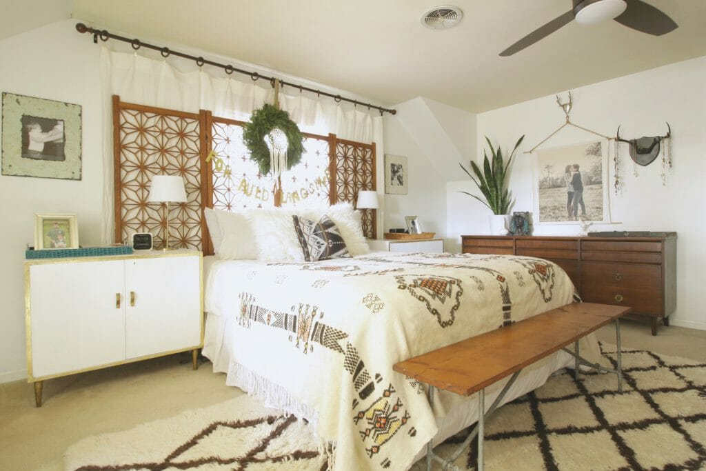 vintage-modern-bedroom-christmas
