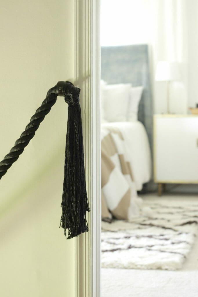 Tassel-ends-rope-railing