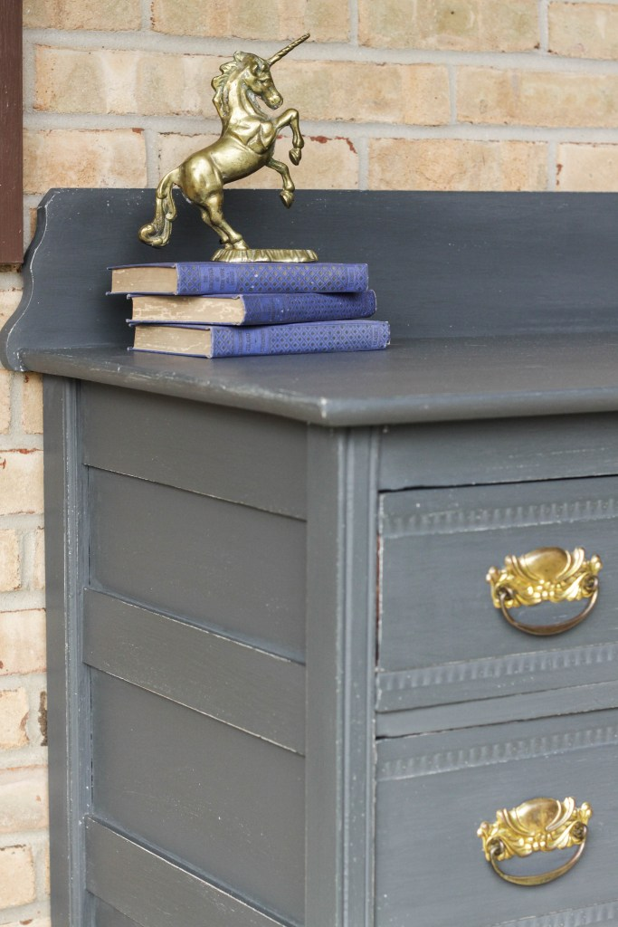 How to paint with General Finishes chalk style paint