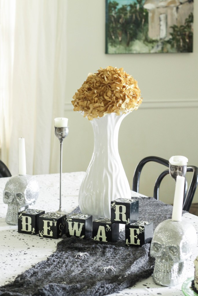 Halloween Dining Tablescape