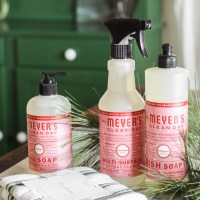 Holiday Cleaning Prep & Hostess Gift Idea: Free Mrs. Meyer&#