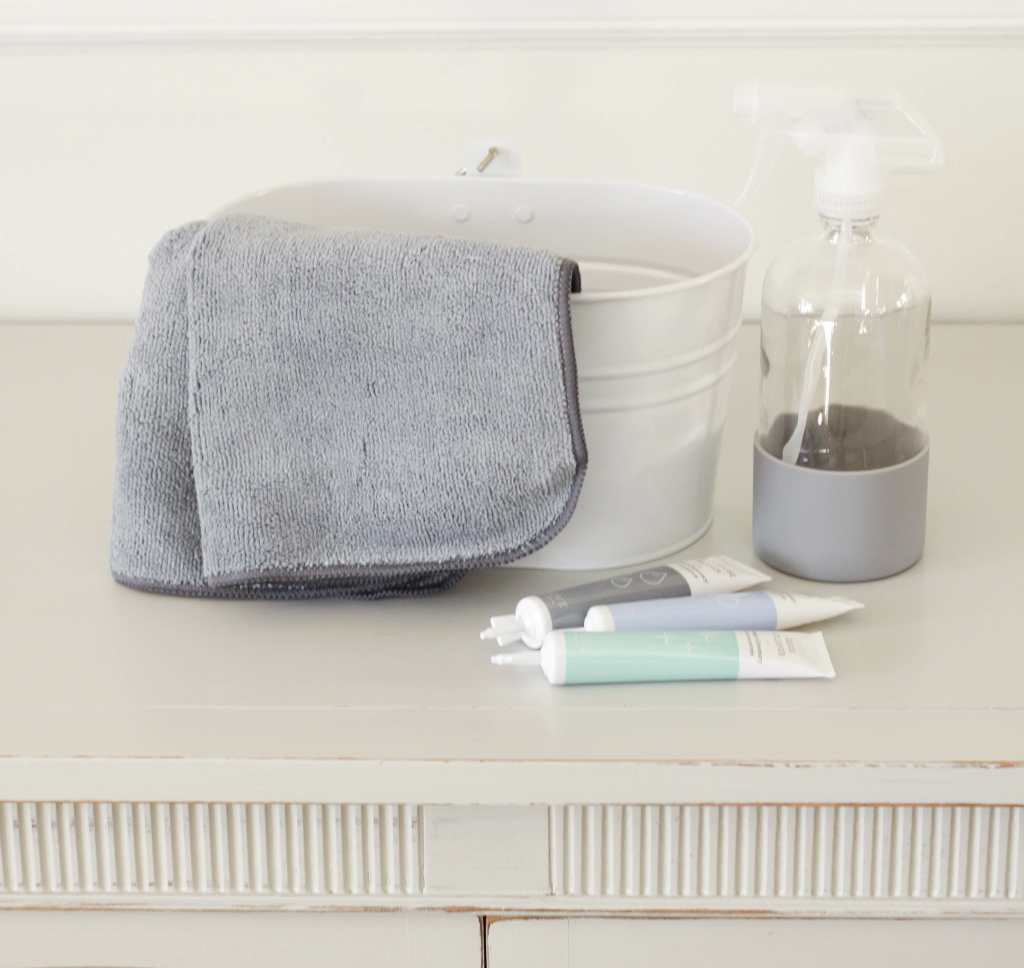 Refreshing Your Home with Toxin Free Cleaners (Plus a Free Cleaning Set from Grove!)
