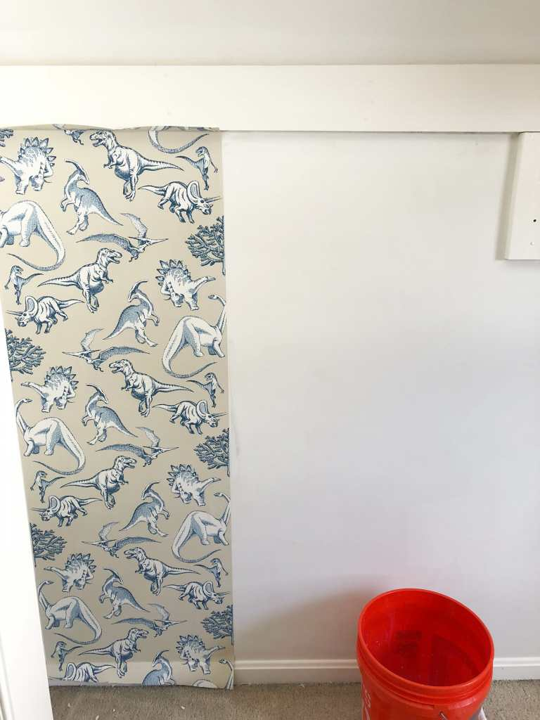 Hanging wallpaper in a closet