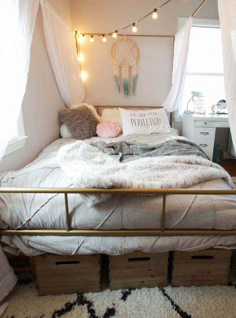 Teen Bedroom Storage idea-crates