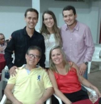 Luiz Humberto, a esposa Kátia e os filhos