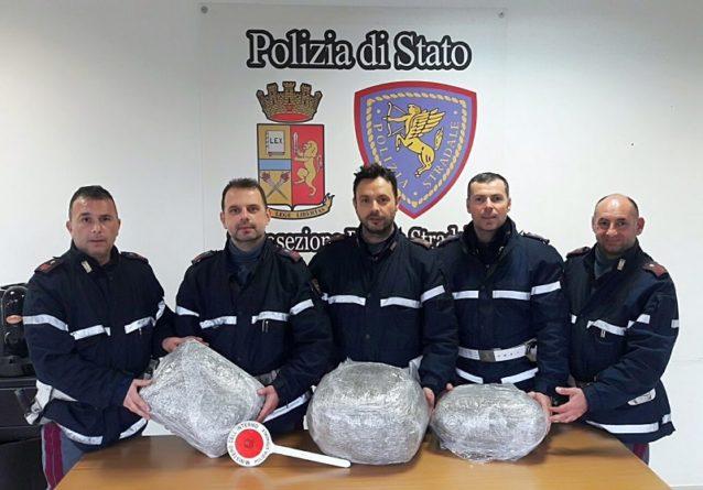 Cassino – Borsoni sportivi carichi di marijuana: arrestato 34enne