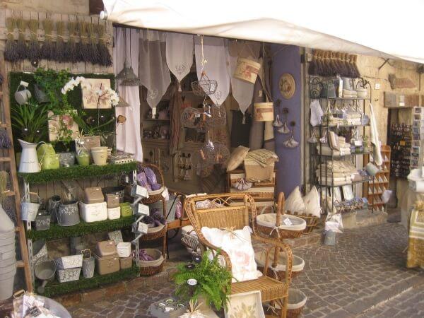 Kleine Geschäfte in Le Castellet