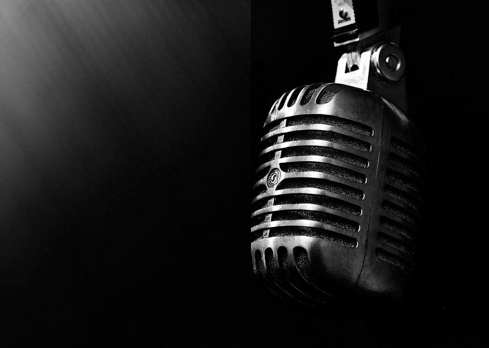 Vintage_Microphone