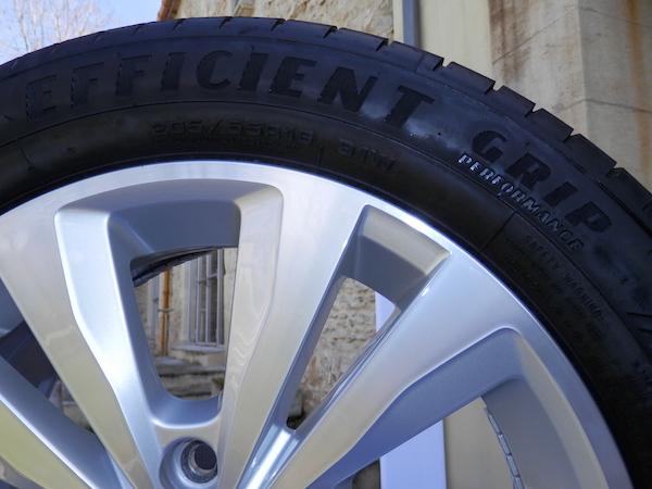 pneus goodyear efficientgrip performance