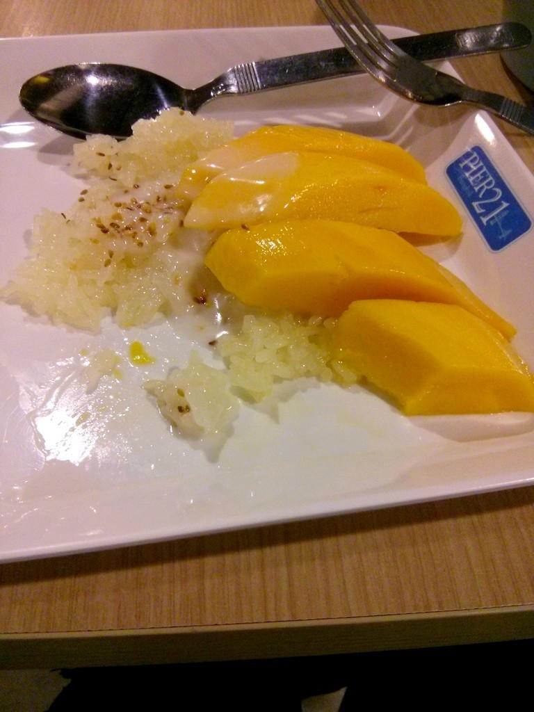 mango stickyrice pier21 foodcourt bangkok