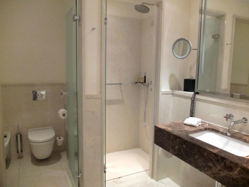 roccoforte-charleshotel-deluxe-room-sd2