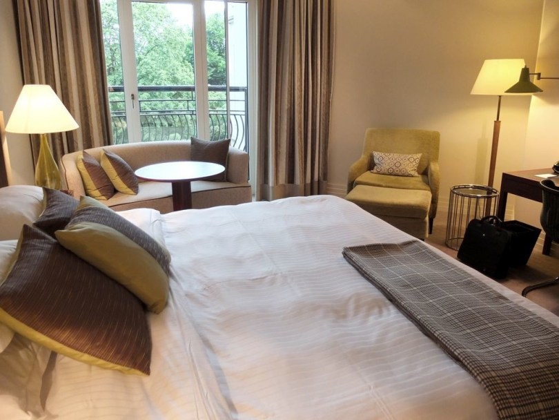 roccoforte-charleshotel-deluxe-room5