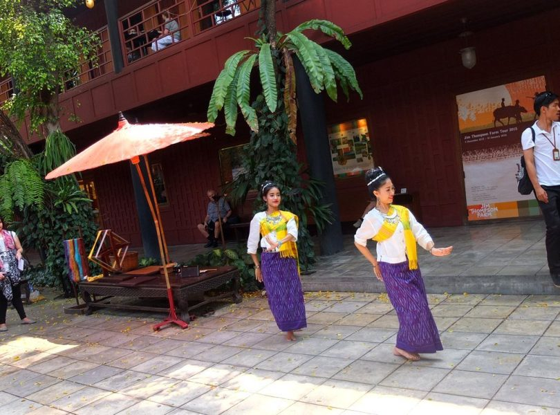 Jim Thompson House - animation danseuses traditionnelles