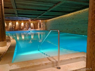 Spa 6 senses / piscine intérieure - The Alpina Gstaad