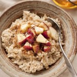 Hot Oatmeal with Honey and Apples