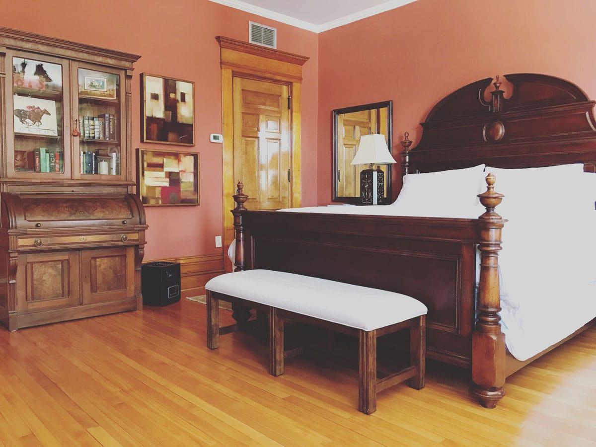 Walnut Suite of Castle La Crosse Bed and Breakfast