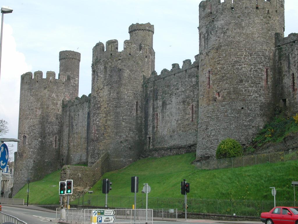 https://i2.wp.com/www.castlewales.com/conwy02.jpg