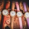 Relojes de madera Castor Luz slide