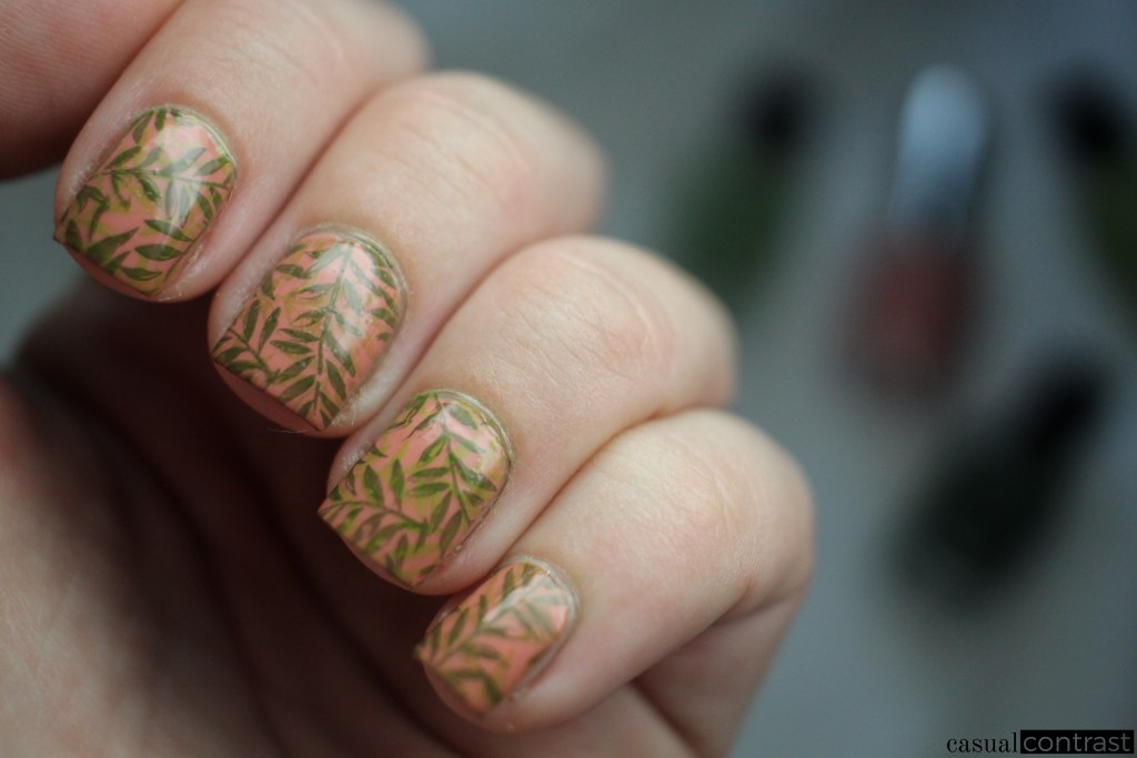 Fern Nail Art Manicure • Casual Contrast