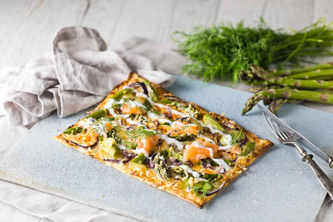Flammkuchen mit Spargel und Lachs casual cooking österreichischer food blog