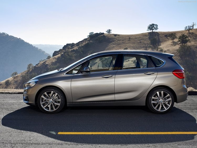 BMW-2-Series_Active_Tourer_2015_1024x768_wallpaper_0b