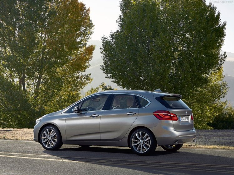 BMW-2-Series_Active_Tourer_2015_1024x768_wallpaper_16