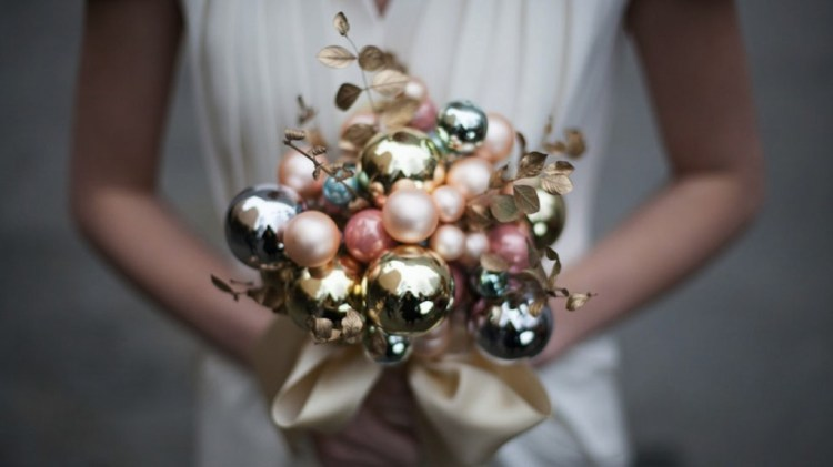 Holiday Bulb Bouquet