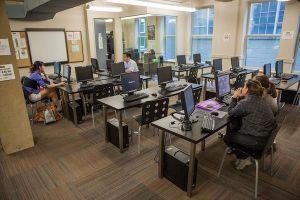 グローバルビレッジ・コンピュータールーム