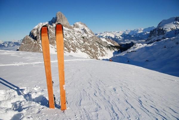 skis mountain