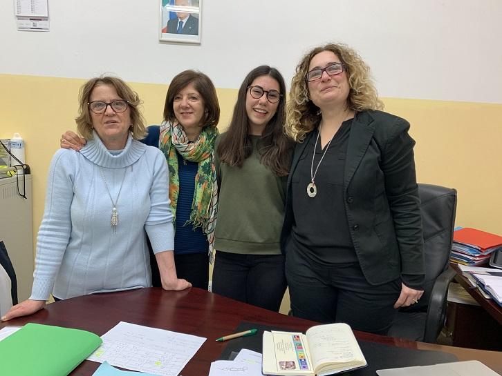 """Alunna Anna Festa della scuola di Torraca di Matera vince concorso """"Un Cammino per la Pace"""" del Lions Club Matera"""