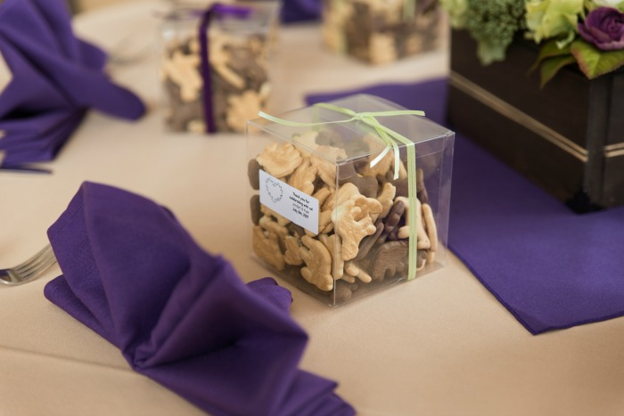 animal cracker wedding favors