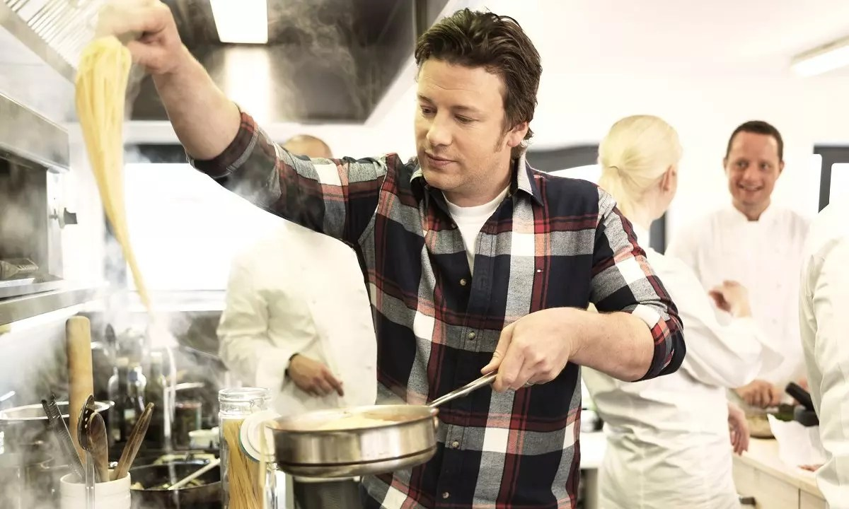 Jamie Oliver's Aust business hits trouble