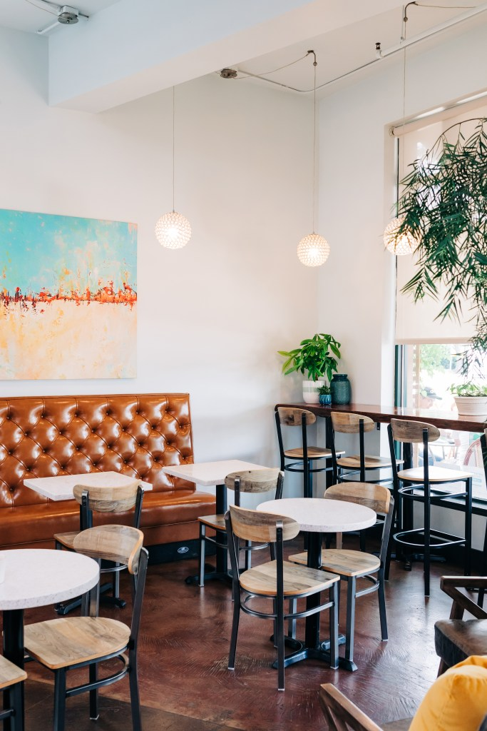 New Paint and banquette in La Vita Dolce - Cat French Design