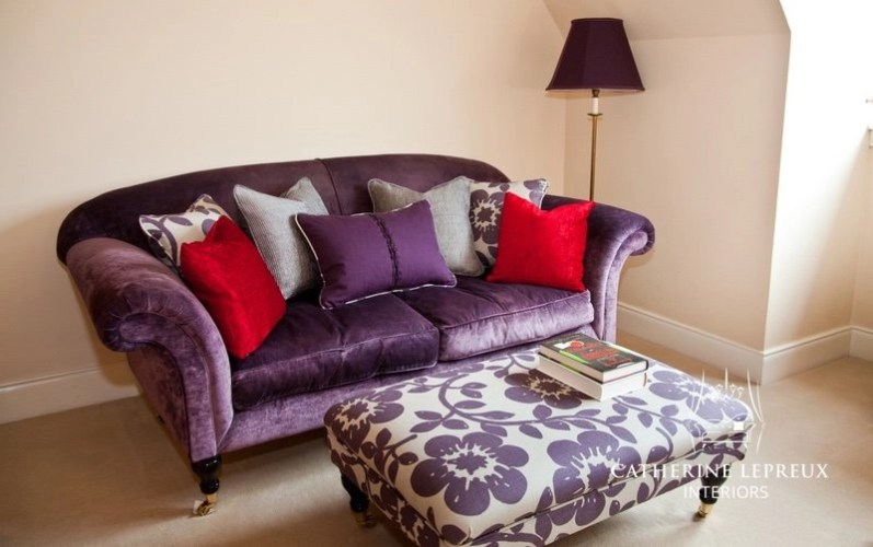 Bespoke reading corner in an Edinburgh dressing room with purple velvet upholstery
