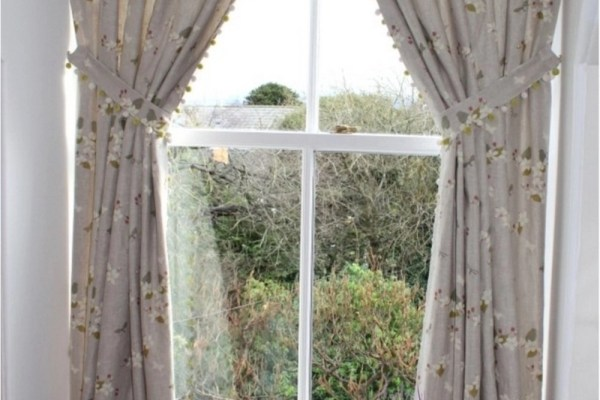 curtainmaker hand-made curtains inside recess traditional arched windows Fife