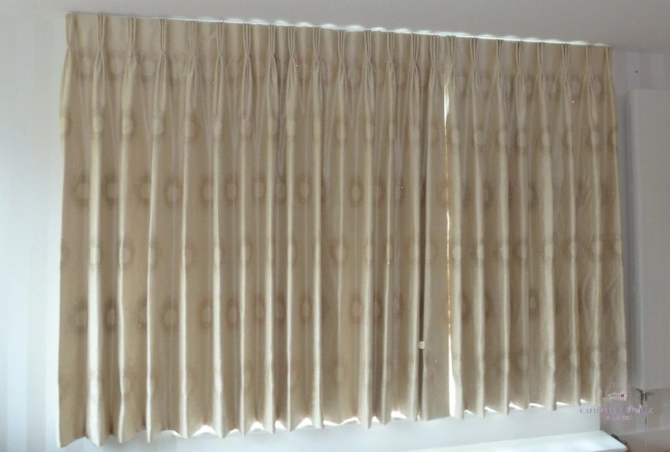 curtain maker ivory silk hand made curtains Edinburgh