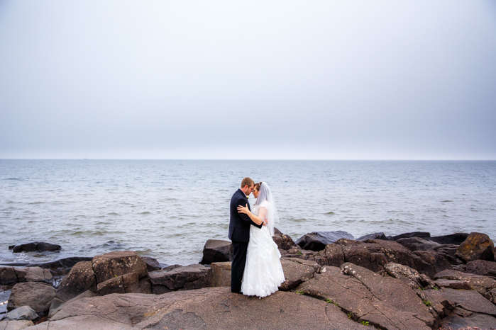 Lake Superior North Shore Wedding_Wisconsin Wedding Photographer-15