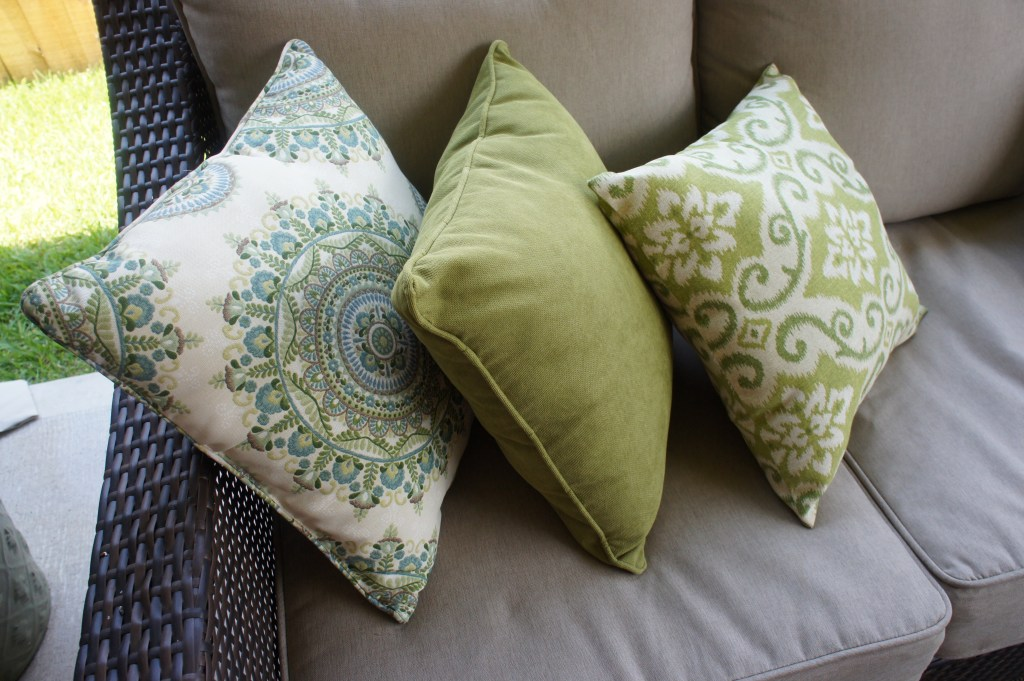 Outdoor Pillows for Outdoor Couch