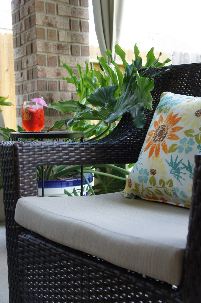 Outdoor Patio Decor - Outdoor Chairs