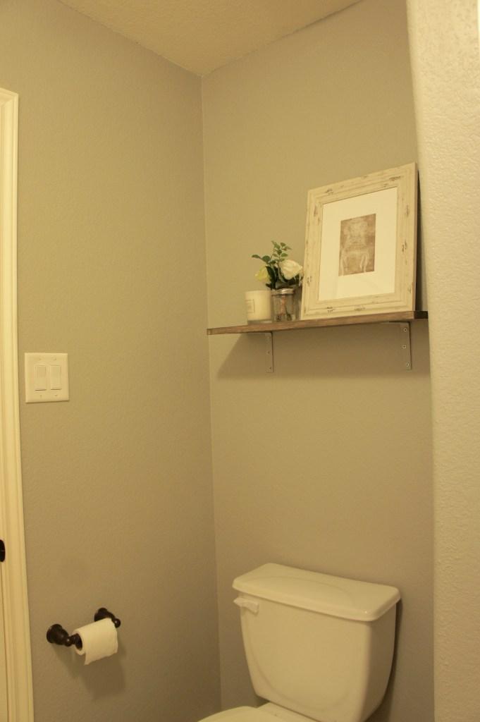 Jack and Jill Bathroom Makeover #JackandJill #BathroomRedo #BathroomMakeover