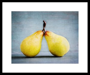 410_FR-Pears entwined_
