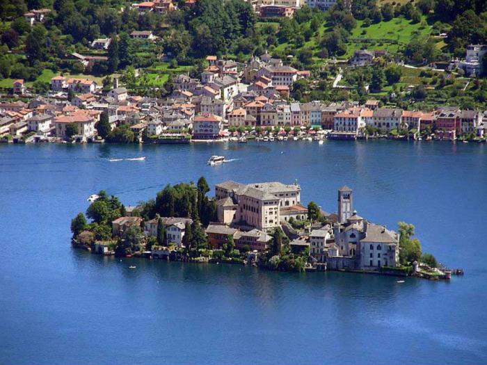 Take a trip to Italy!