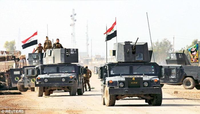 Iraqi troops have captured several villages on the outskirts of Mosul.