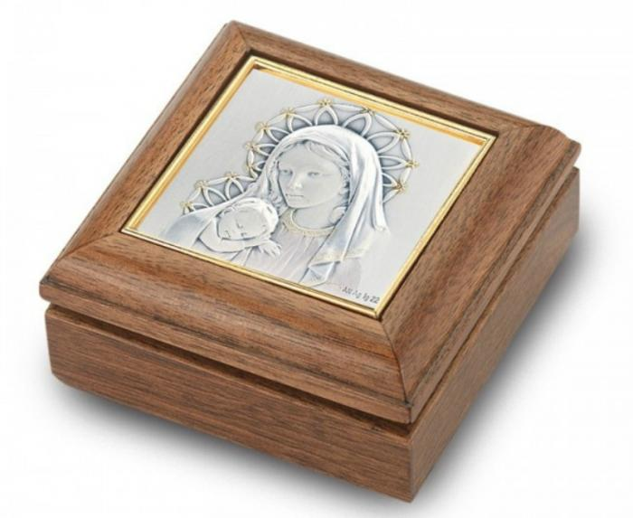 The Madonna and Child keepsake box.