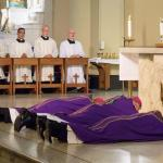 "New Orleans archbishop holds ""healing mass"" for abuse victims"