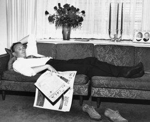 esq-man-couch-0511-lg