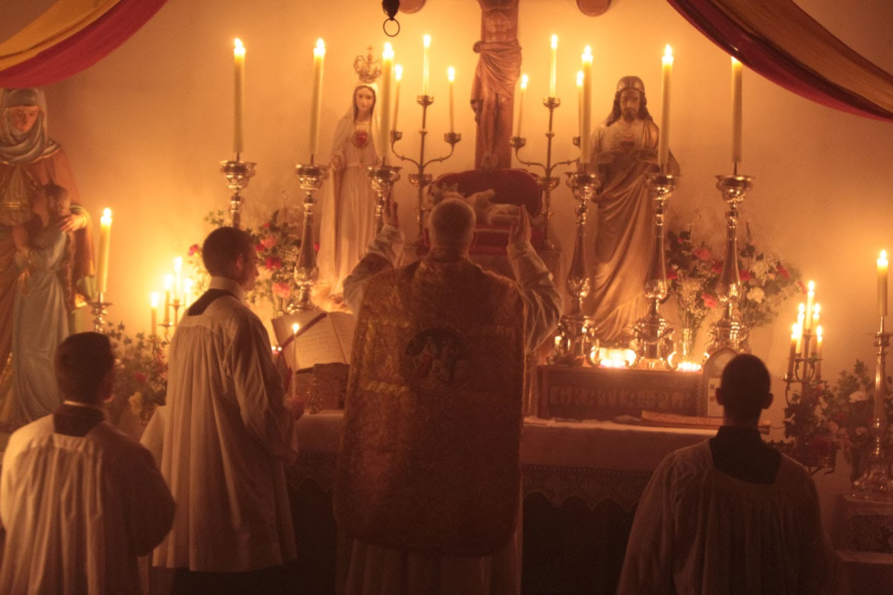 Lift Up Your Hearts: 10 Tips for Newcomers to the Latin Mass | The