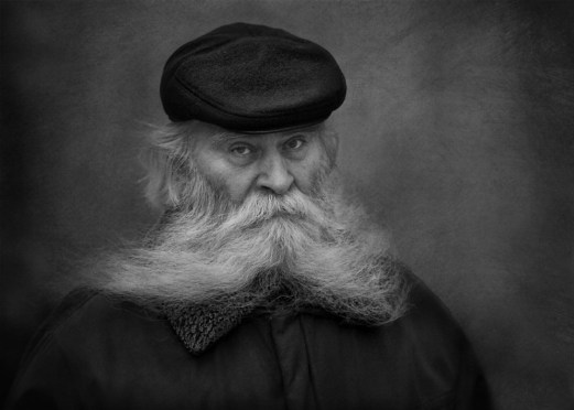 wise-old-white-bearded-man-black-and-white